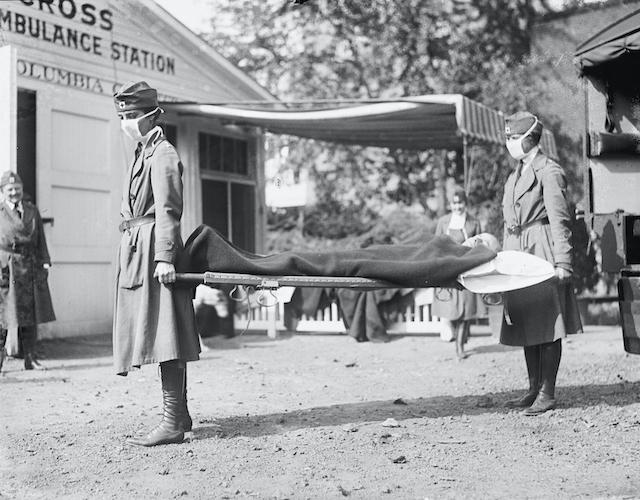 1918_flu_outbreak_RedCrossLitterCarriersSpanishFluWashingtonDC.jpg